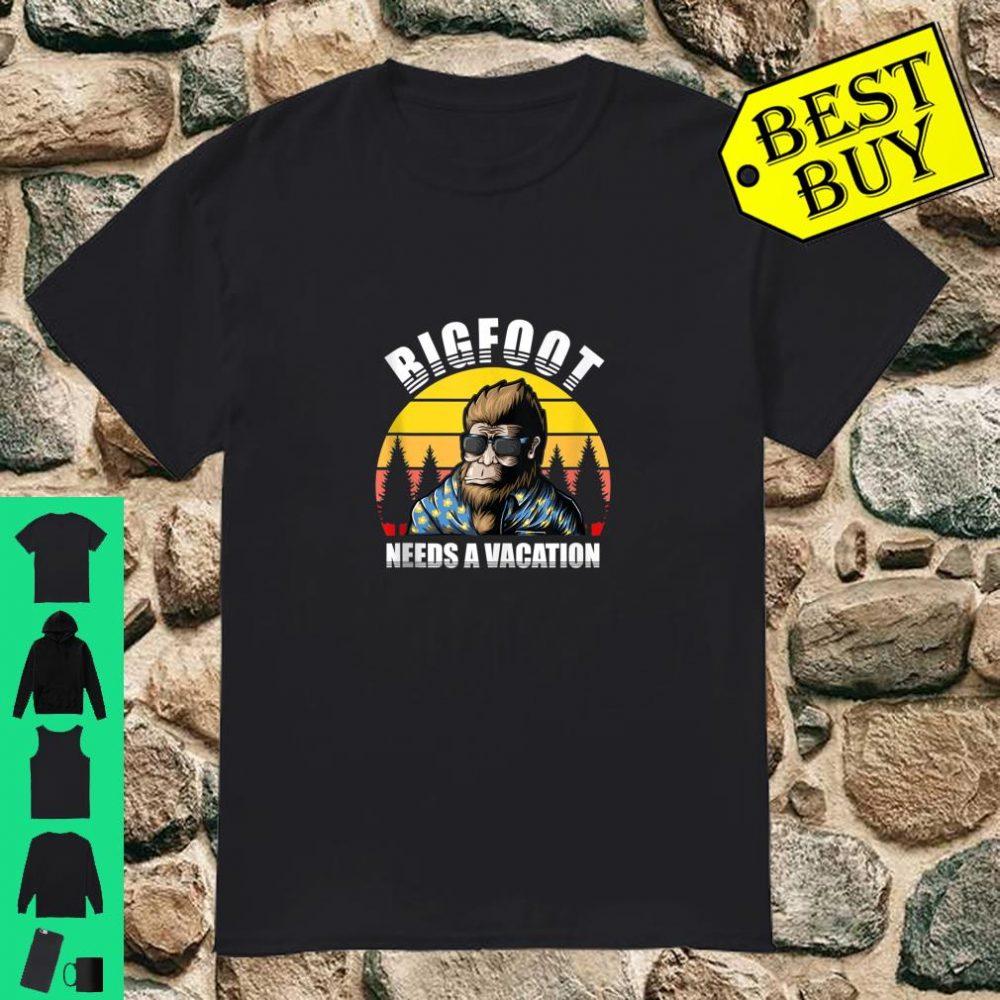 Bigfoot Needs a Vacation Yeti Holiday shirt